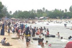 Mandi laut jadi tradisi warga Aceh Barat sambut puasa