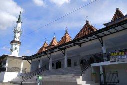Masjid Sokambang saksi bisu cerita para raja Sumenep