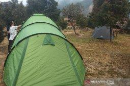 Gunung Papandayan dipadati pengunjung dengan berkemah