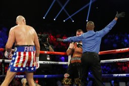 Duel Tyson Fury vs Wilder kemungkinan tertunda lagi