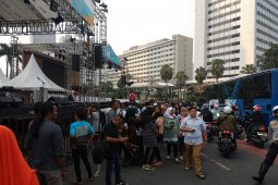 Warga Jakarta serbu  bundaran HI Rayakan HUT DKI