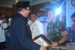 Dandim 0204/DS terima penghargaan dari BNN Deliserdang