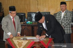 DPRD Dairi sahkan Ranperda pertanggungjawaban APBD 2018