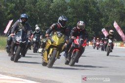 "Astra gelar ""Honda CBR Trackday 2019"" di Sirkuit Taman Pasir Panjang Singkawang"