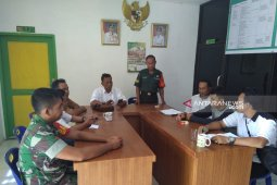 Babinsa Koramil 14/Dolok Merawan penyuluhan narkoba kepada kepala desa
