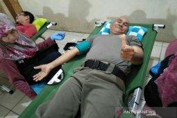 ASN Antri Donor Darah Dikantor Satpol PP