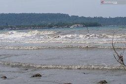 BMKG : Waspada gelombang tinggi laut utara Papua Barat