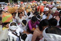 Galungan, umat Hindu padati Pura Jagatnatha Denpasar