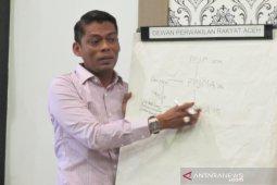 Parlementaria - DPRA minta polemik program aspirasi dewan diselesaikan