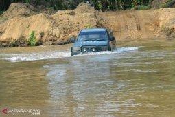 Warga Hutaraja Lamo berharap adanya jembatan