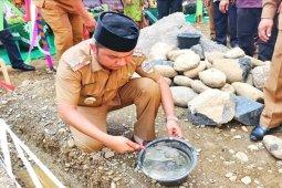 Bupati letakkan batu pertama pembangunan SMP Muhammadiyah 04 Badiri