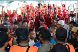 Warga datangi kantor DPRD Padangsidimpuan minta kejelasan TPA Batang Bahal