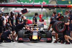 Verstappen gagal finis dan salahkan Leclerc usai tabrakan