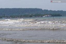Gelombang setinggi 4 meter berpotensi terjadi di Manokwari