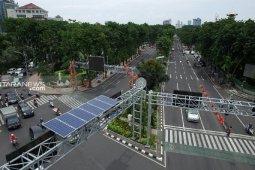 Surabaya City installs solar-powered traffic lights to anticipate blackout