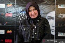 Jejak kaum hawa dalam histori panggung rock Indonesia