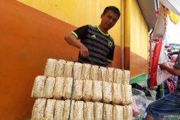 Besek bambu jadi idola Pasar Jatinegara kekurangan pasokan