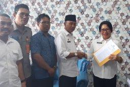 Pemkab Kayong Utara serahkan dokumen Caleg terpilih