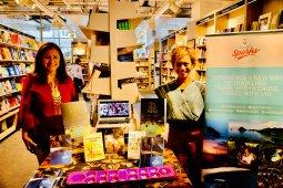 Penulis Indonesia, Nila Tanzil promosi buku dan TB Pelangi   di  Foyles London