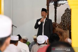 Bupati Tapsel: Momen Idul Adha perkokoh persatuan dan kesatuan
