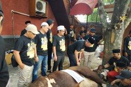 Keluarga besar Wali Band tahun ini berkurban lima sapi dan 17 kambing