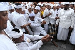 Tradisi Ngerebong di Denpasar