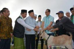 Wabup Badung serahkan enam ekor kambing