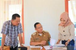 Wabup Gorontalo Utara berkantor di desa untuk pantau pelayanan