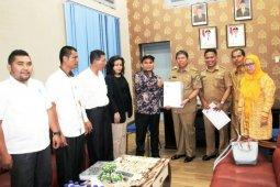 KPU serahkan dokumen anggota DPRD terpilih ke Pemkot Pematangsiantar