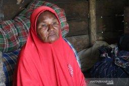 Nenek asal Pidie mengaku sudah lama tak dapat bantuan pemerintah