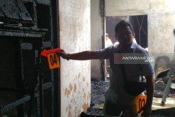 Sebuah rumah di Banda Aceh terbakar,  diduga dibakar orang gila