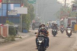 Jarak pandang Pekanbaru 1,5 Kilometer akibat asap Karhutla