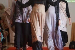 Batik Mandeh Rubiah dipamerkan di New York