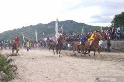 371 ekor kuda ikuti pacuan kuda tradisional Gayo di  Takengon