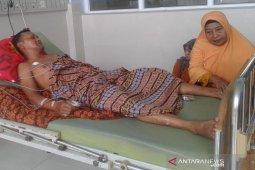Pekerja instalasi listrik terjatuh dari atas Masjid Agung Abdya