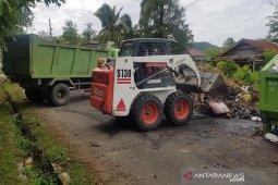 DLH Aceh Besar kerahkan 10 armada bersihkan sampah