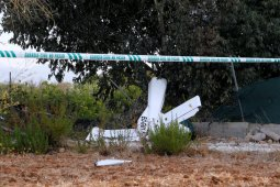 Helikopter pemadam kebakaran hutan jatuh di Portugal, tewaskan pilot