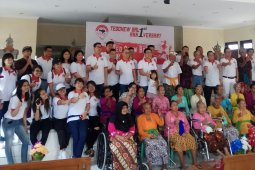 Teo Chew Bali bantu panti sosial Tresna Werdha Wana Seraya