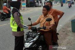 Tidak pakai helm dominasi pelanggaran lalulintas di Abdya