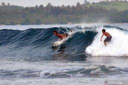 Nias Pro Internasional Surfing Sail Nias diikuti 15  negara