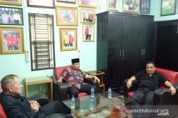 Rivai Nasution daftar balon Bupati Labusel ke PDI-P