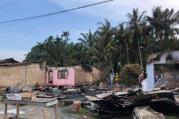Sepuluh unit rumah warga di Aceh Singkil musnah terbakar