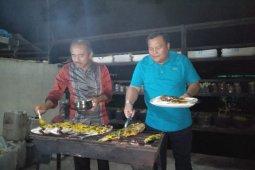 Jalin keakraban dengan Pemkab Tobasa, wali kota promosi kuliner khas Sibolga