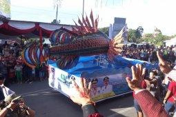 Parade kostum dan budaya Sibolga meriahkan Karnaval Pesona Danau Toba