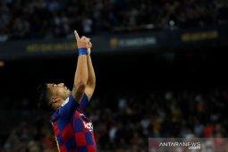 "Suarez jadi ""supersub"", Barcelona bekuk tamunya Valencia 5-2"