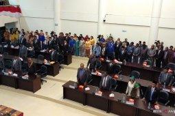 30 anggota DPRD Kota Sorong, hanya enam OAP