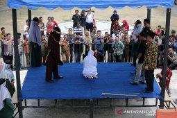 Hukuman cambuk pelanggar qanun jinayat