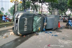 Pengamat : pemukulan dalam unjuk rasa termasuk tindak pidana penganiayaan