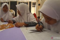 75 pengrajin karawo di Gorontalo dibekali ilmu desain