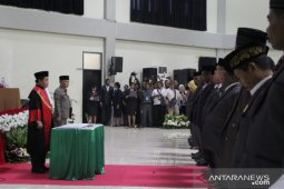 Gubernur Dominggus harap DPRD Papua Barat tunaikan janji kampanye